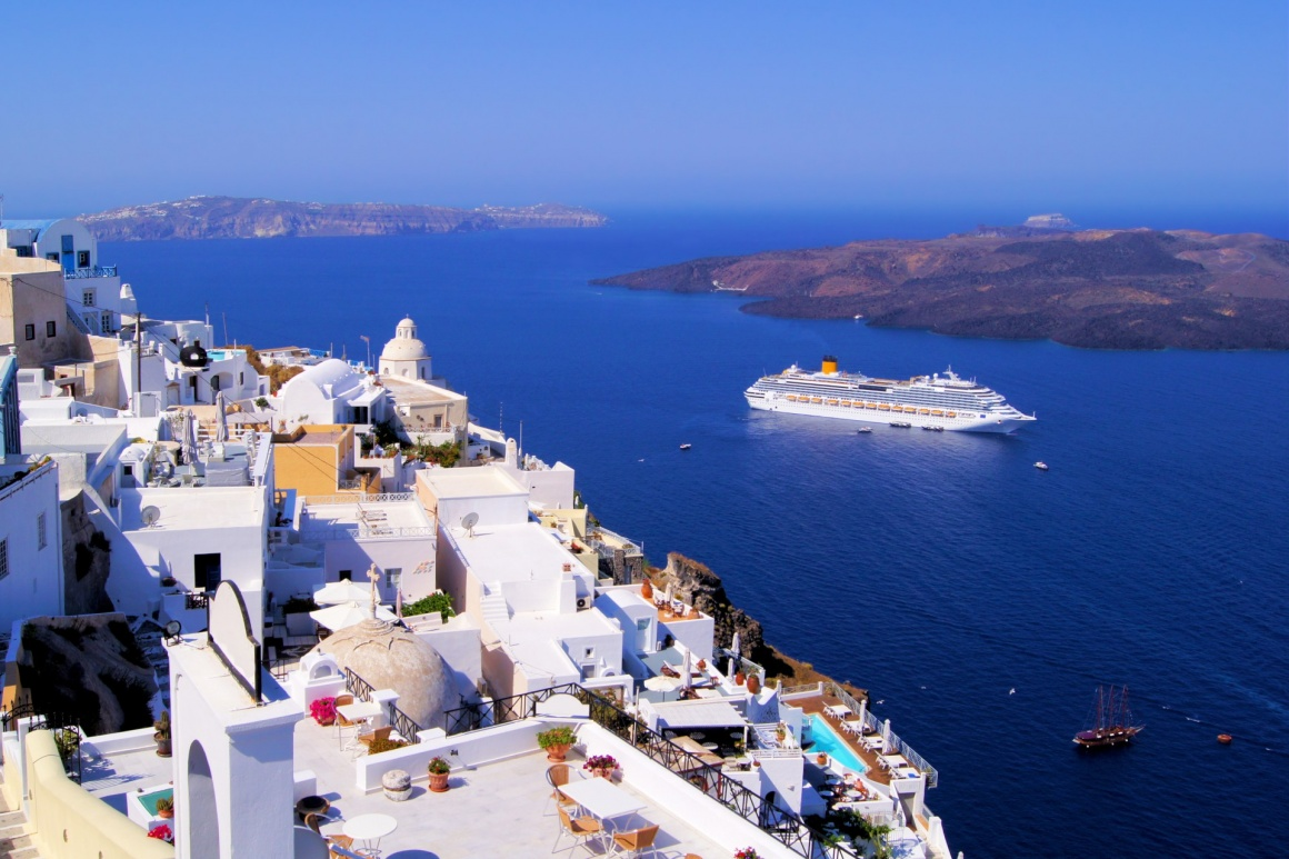 'Panoramic view of the town of Fira, Santorini, Greece' - Santorini